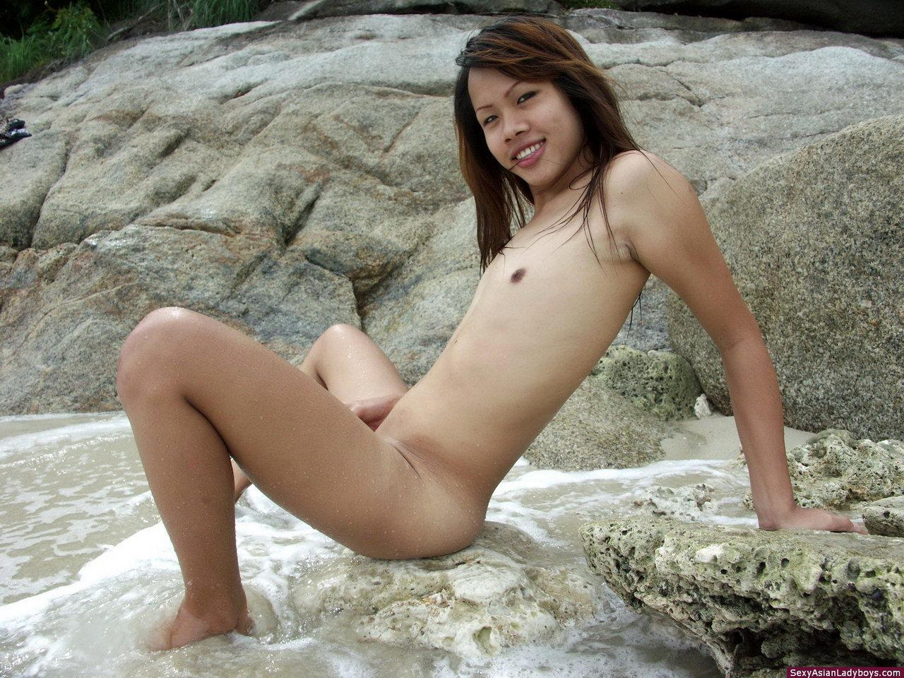 Arousing Teen Tgirl Enjoys Self Abuse Of Her Ass-Hole