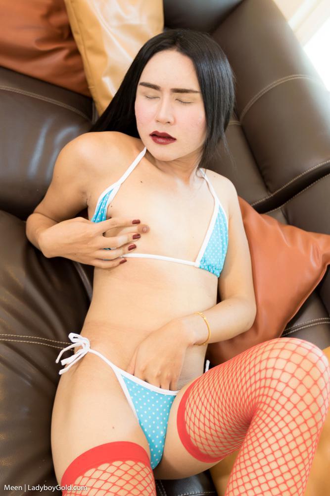 Hot Pierced Femboy Babe Rubs Her Penis