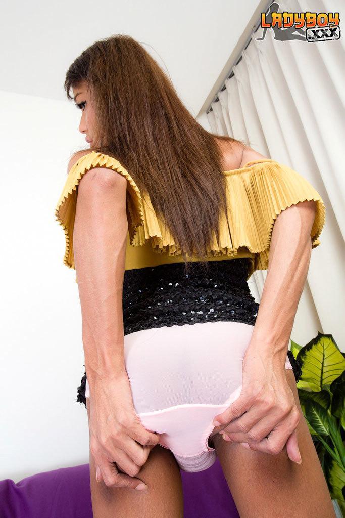 Huge Latina Monster Dick On Webcam