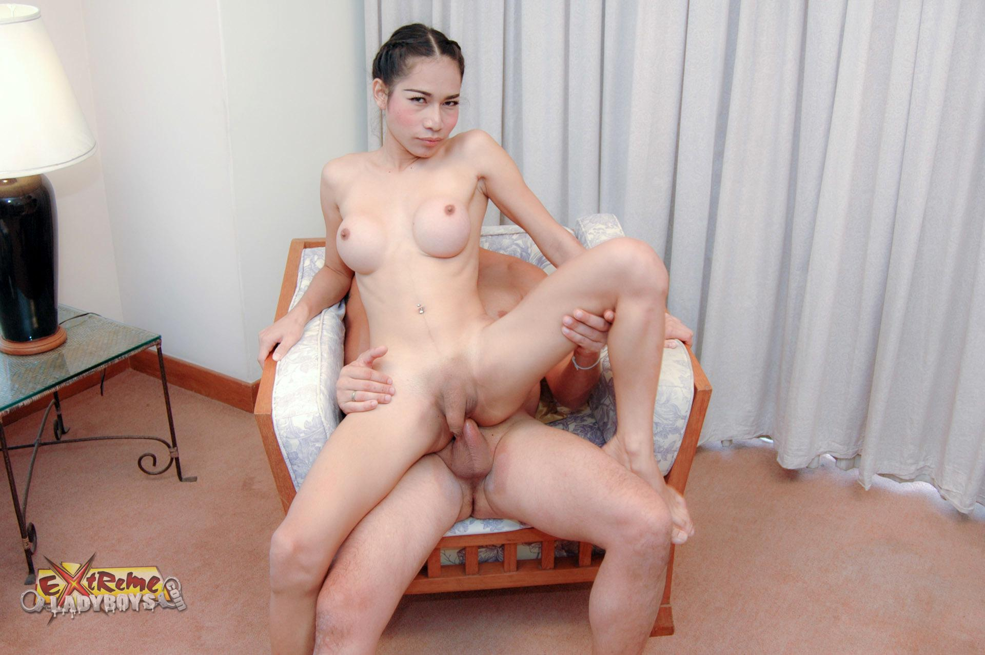 Lewd T-Girl Babe Moaning With Pleasure