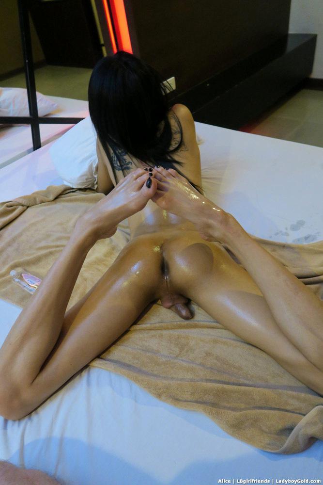 Massive Cock Curvy Thai T-Girl