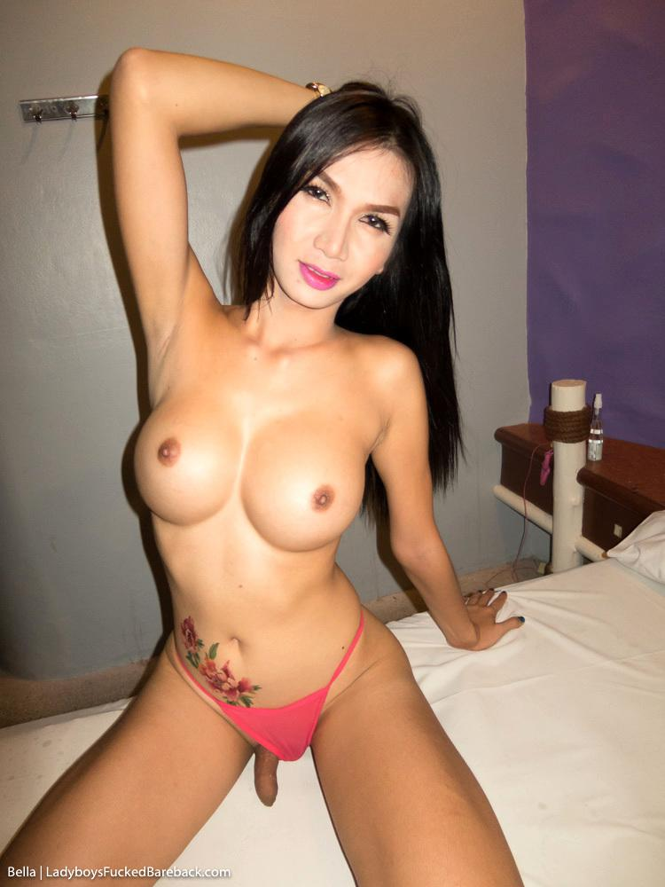 Pretty Transexual Wanking Off Her Smooth Tool
