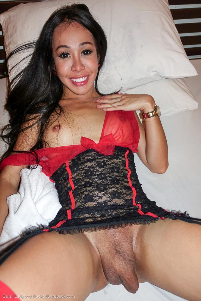 Starved T-Girl Babe Dildoing Her Butt