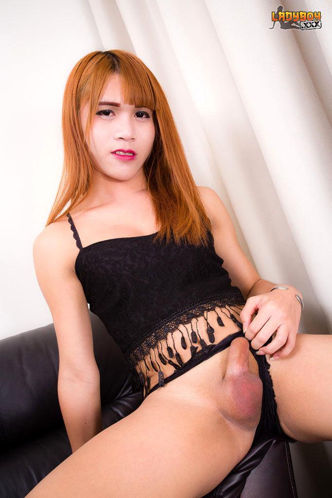 Tattooed Thai Ladyboy Dildoing Herself