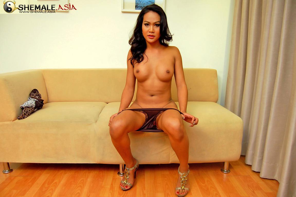 Thai Tgirl Pinky On Toilet